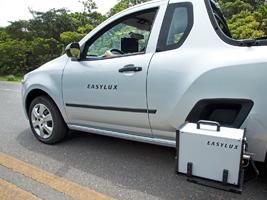 Mobiles Retroreflektometer für Straßenmarkierungen - LED-Optik.
